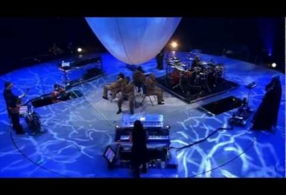Peter Gabriel ft. The Blind Boys of Alabama – Sky Blue (Growing Up Live)